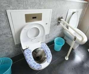 朝阳农村公厕改造:全部采用真空排导技术塑料粉碎机